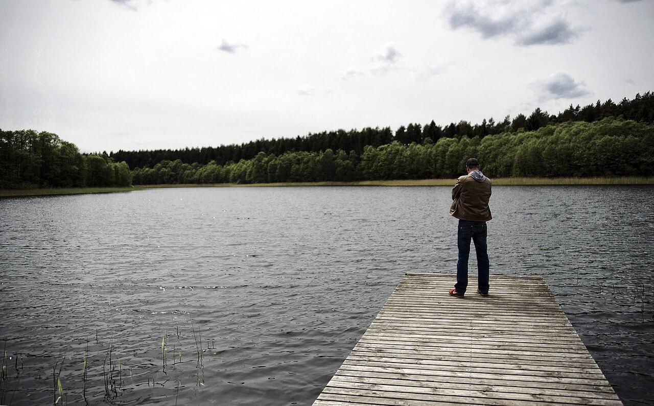 lake-793689_1280